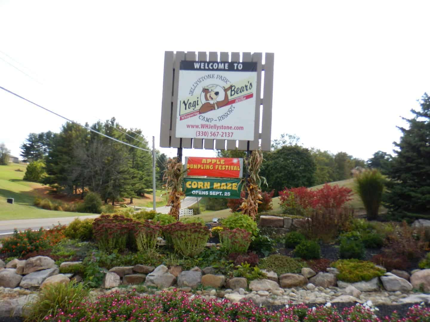Whispering Hills Jellystone Sign